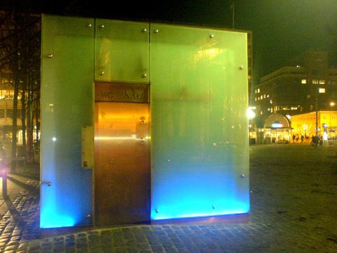 stortorget-public-toilet.jpg