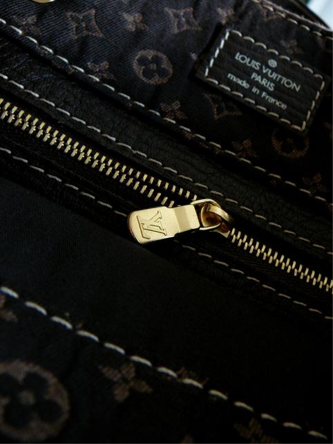 tanger_zipper