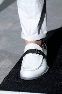 buckle_shoe_2