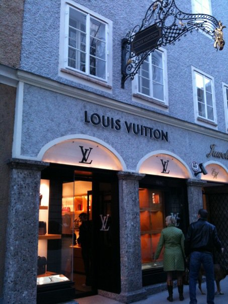 bd39aef065185 The LV store on Getreidegasse in Salzburg ...